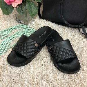 Steve Madden NWOT Black Quilted Slide Sandals